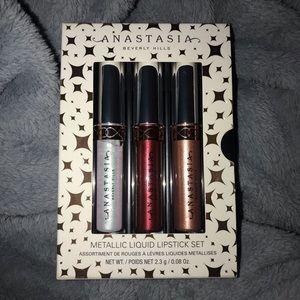 Anastasia Beverly Hills metallic liquid lipstick